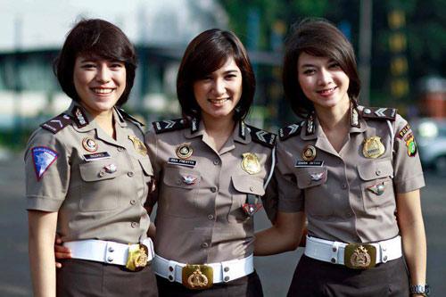 Kiểm tra trinh tiết trước khi trở thành nữ cảnh sát Indonesia - Ảnh 1