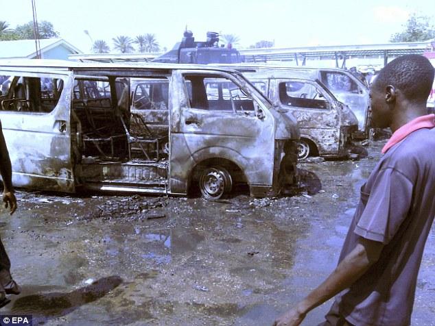 """Hơn 200 nữ sinh bị Boko Haram bắt cóc đã được """"gả chồng"""" - Ảnh 2"""