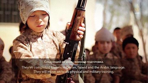 Hãi hùng cảnh IS huấn luyện chiến binh trẻ em - Ảnh 4