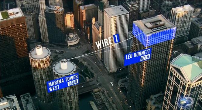 Phá kỷ lục bịt mắt đi dây qua hai tòa nhà cao tầng ở Mỹ - Ảnh 2