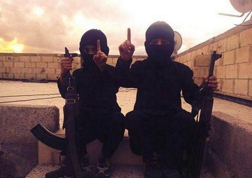 Phiến quân Hồi giáo IS tra tấn trẻ em ở Kobani - Ảnh 2