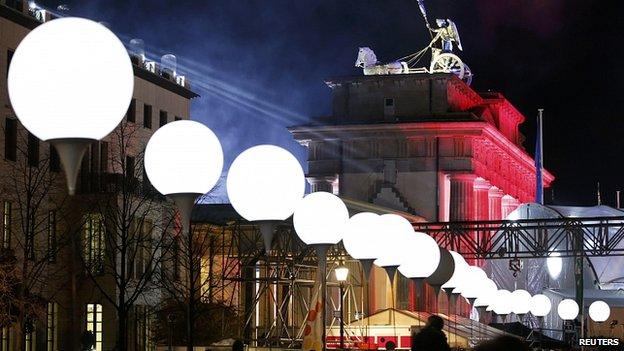 Nước Đức kỷ niệm 25 năm ngày Bức tường Berlin sụp đổ - Ảnh 1