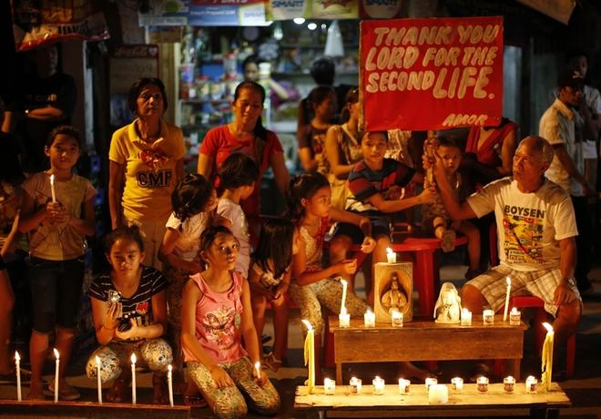 1 năm sau siêu bão Haiyan, dân Philippines vẫn còn ám ảnh - Ảnh 2