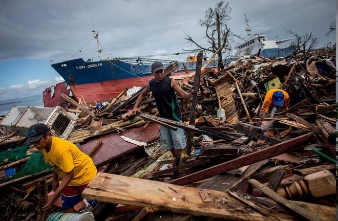 1 năm sau siêu bão Haiyan, dân Philippines vẫn còn ám ảnh - Ảnh 4