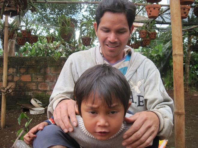 Gia Lai: Ngôi làng kỳ lạ đặt tên con là Messi, Yang Dong Gun - Ảnh 1