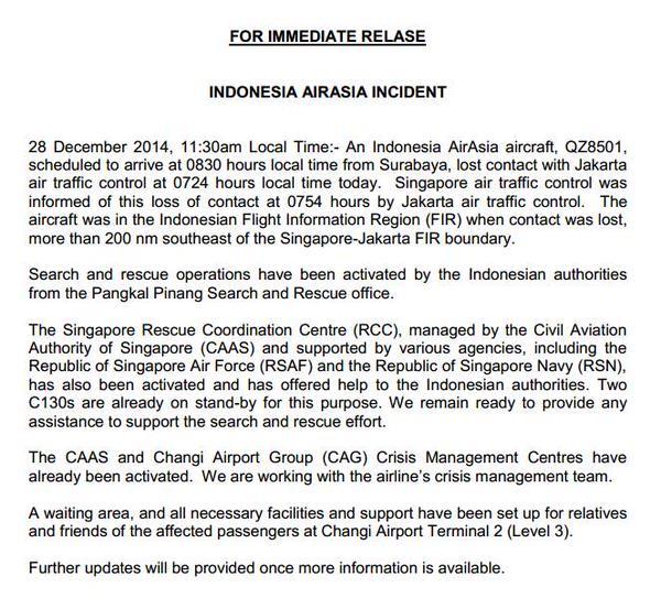 Máy bay hãng AirAsia chở 162 người mất tích - Ảnh 1