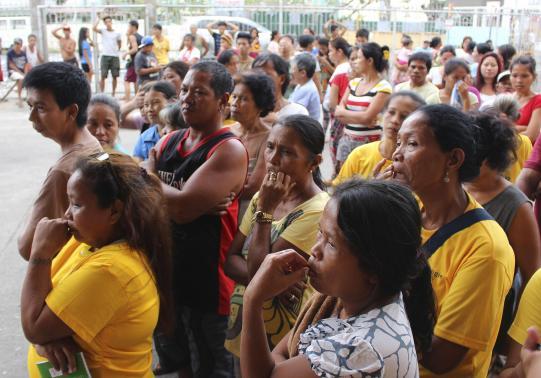 Hơn 616.000 người Philippines đi sơ tán tránh bão Hagupit - Ảnh 1