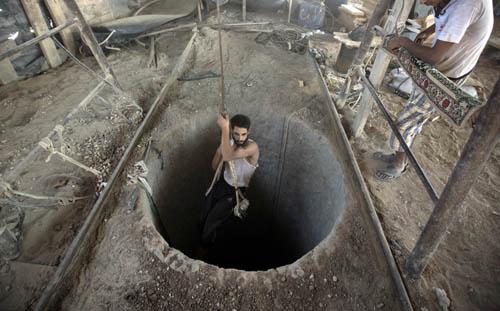 """Những đường hầm ở Dải Gaza khiến Israel """"khiếp sợ"""" - Ảnh 2"""