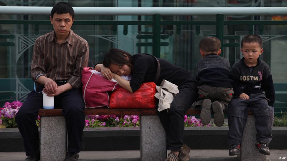 Hiểm họa của hố ngăn cách giàu-nghèo ở Trung Quốc - Ảnh 3
