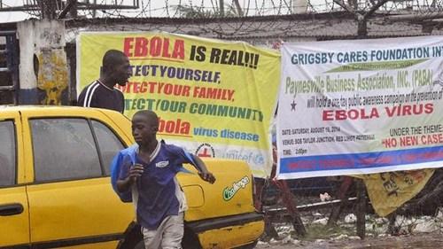 Bạo động ở Liberia, 17 bệnh nhân nghi nhiễm Ebola mất tích - Ảnh 1