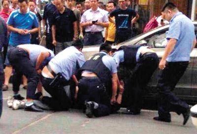 Lại tấn công bằng dao ở Trung Quốc, 14 người thương vong - Ảnh 2