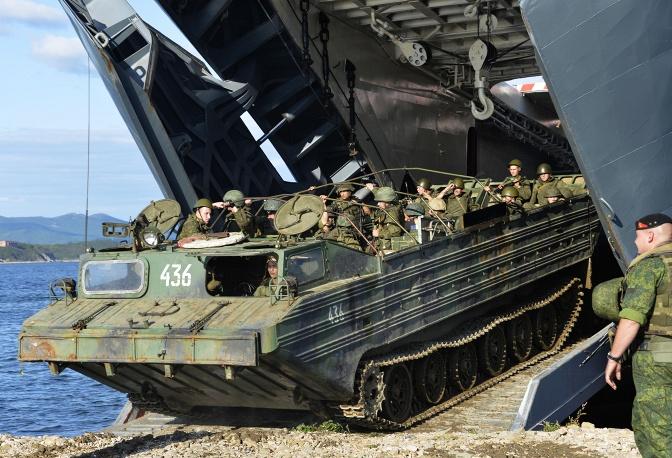Nga phô diễn khí tài quân sự trong cuộc tập trận Vostok 2014   - Ảnh 3