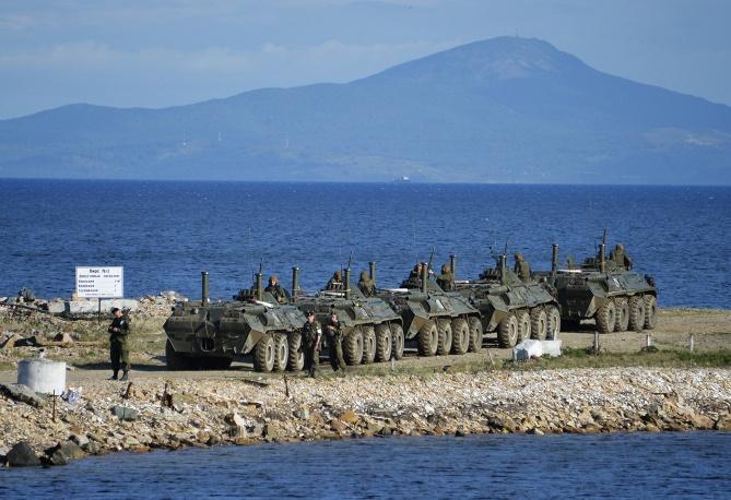 Nga phô diễn khí tài quân sự trong cuộc tập trận Vostok 2014   - Ảnh 4