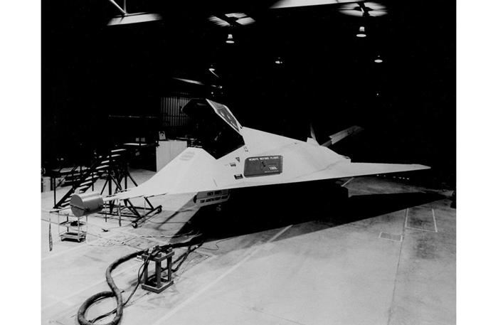 Bí ẩn Khu vực 51 tuyệt mật trên sa mạc của Không quân Mỹ - Ảnh 10