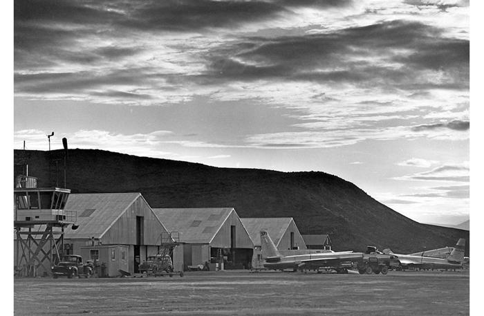 Bí ẩn Khu vực 51 tuyệt mật trên sa mạc của Không quân Mỹ - Ảnh 4