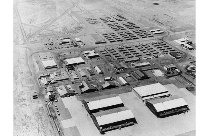 Bí ẩn Khu vực 51 tuyệt mật trên sa mạc của Không quân Mỹ - Ảnh 7