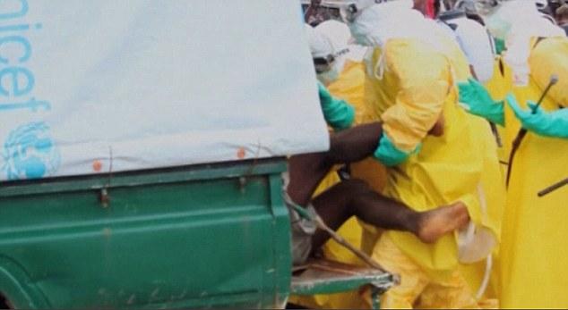 Bệnh nhân Ebola bỏ trốn ra chợ... kiếm thức ăn gây hỗn loạn - Ảnh 6