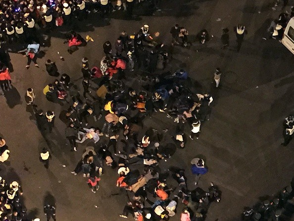 Hiện trường hỗn loạn vụ giẫm đạp kinh hoàng tại Thượng Hải - Ảnh 3