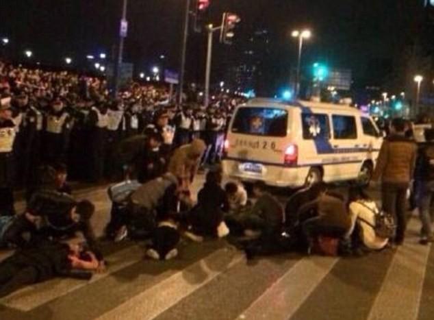 Hiện trường hỗn loạn vụ giẫm đạp kinh hoàng tại Thượng Hải - Ảnh 5