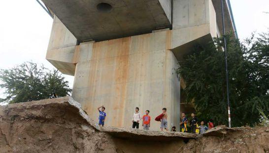 Cầu không móng Trung Quốc ở Campuchia: Chính phủ nói an toàn - Ảnh 1