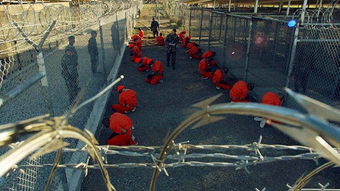 CIA bị tố sát hại tù nhân, dựng hiện trường thành vụ tự tử tập thể - Ảnh 1