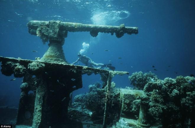 Nghĩa địa tàu chiến đầy ám ảnh trong lòng Thái Bình Dương - Ảnh 1