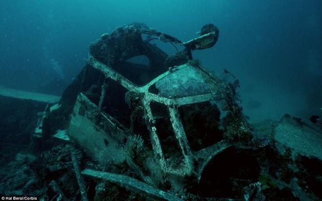 Nghĩa địa tàu chiến đầy ám ảnh trong lòng Thái Bình Dương - Ảnh 7