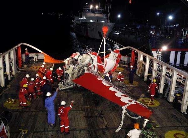 Tiếng chuông cảnh báo vang lên liên hồi trước thảm kịch QZ8501 - Ảnh 1
