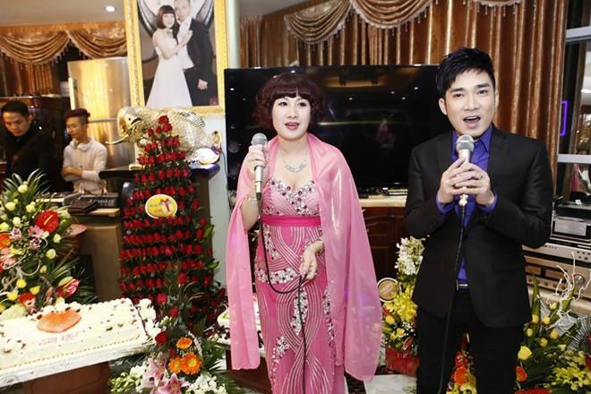 Nữ đại gia Thái Bình chi nửa tỷ đồng mời Quang Hà hát trong tiệc sinh nhật - Ảnh 1