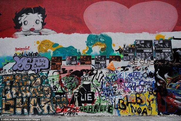 Khắp Paris tràn ngập tranh vẽ tưởng nhớ nạn nhân vụ Charlie Hebdo - Ảnh 3