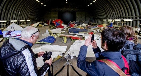 Hà Lan cho phép thân nhân MH17 đến xem mảnh vỡ - Ảnh 1