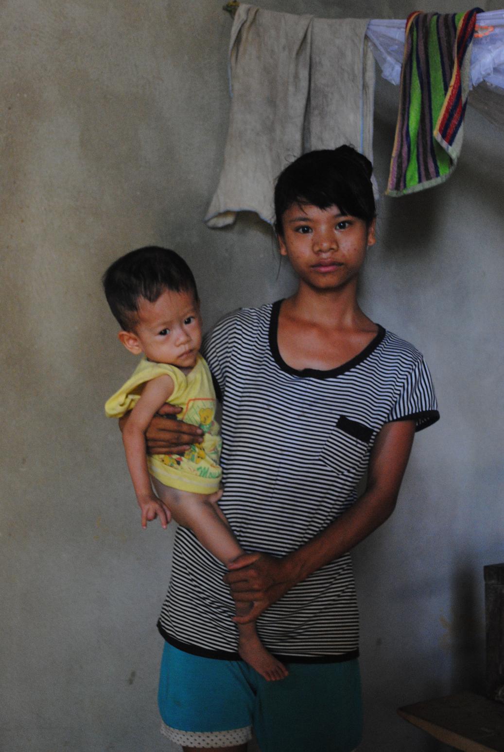 Gia cảnh khốn khó của cháu bé một tuổi bị bệnh tim bẩm sinh - Ảnh 1
