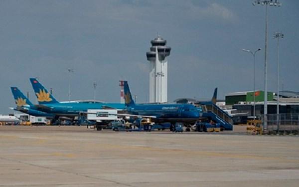 Sân bay Tân Sơn Nhất: 40% kiểm soát viên ở mức trung bình và yếu - Ảnh 1