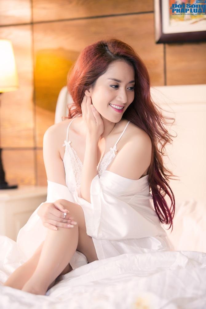 """Khánh Thi ra mắt MV mới """"Ngày anh đến bên em"""" - Ảnh 7"""
