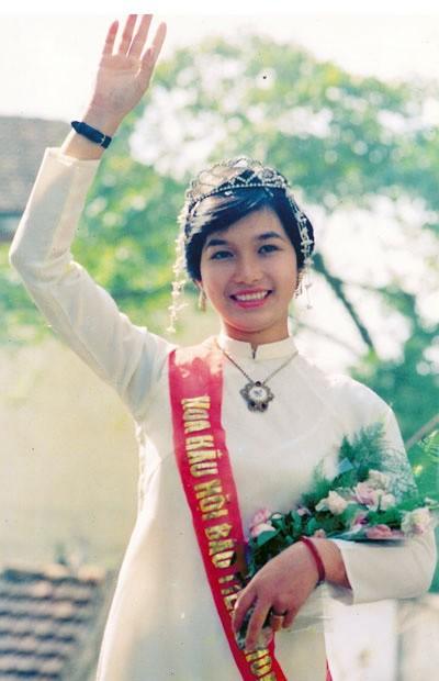 Hoa hậu Việt làm gì sau khi đăng quang - Ảnh 1