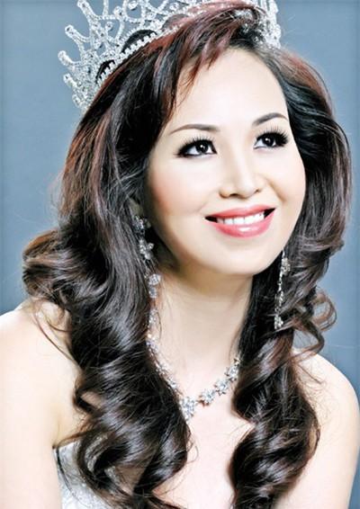 Hoa hậu Việt làm gì sau khi đăng quang - Ảnh 4