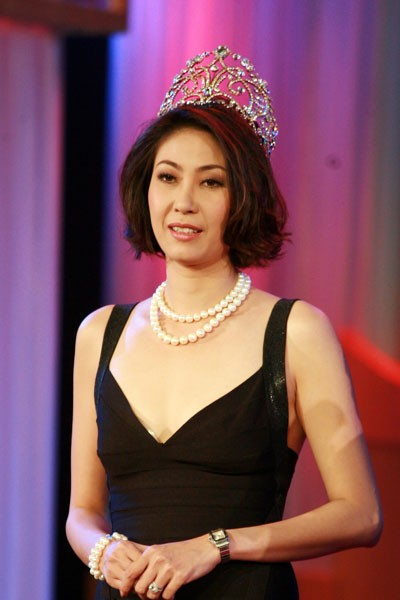 Hoa hậu Việt làm gì sau khi đăng quang - Ảnh 6