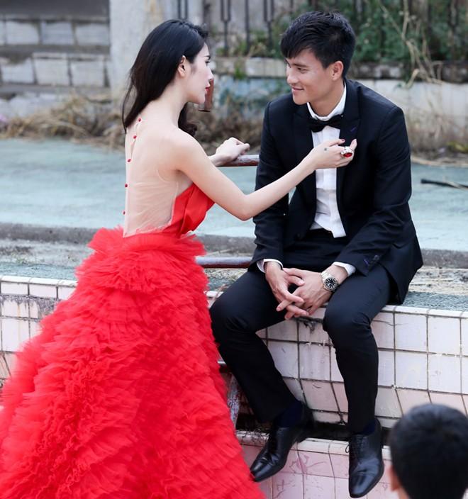 27/12: Thủy Tiên, Nhật Kim Anh, Lê Khánh đám cưới cùng ngày - Ảnh 3