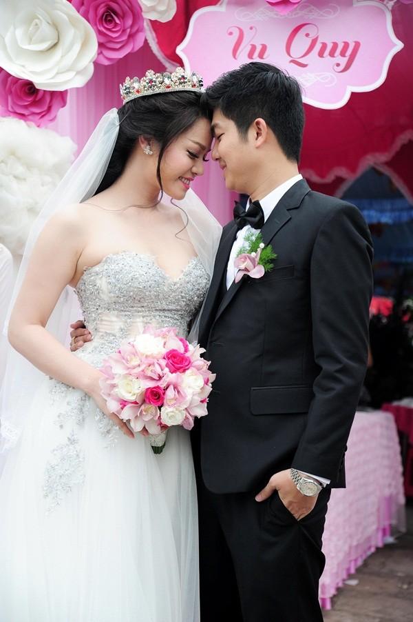 27/12: Thủy Tiên, Nhật Kim Anh, Lê Khánh đám cưới cùng ngày - Ảnh 4