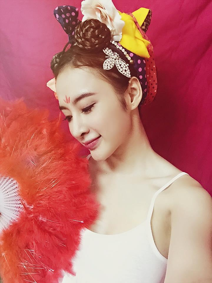 """Angela Phương Trinh hóa Tiểu Long Nữ với """"tóc đùi gà"""" nhí nhảnh  - Ảnh 3"""