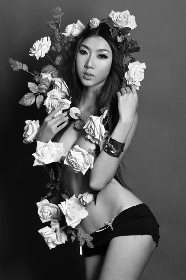 """Mỹ nhân nào """"cởi"""" đẹp nhất showbiz Việt? - Ảnh 15"""