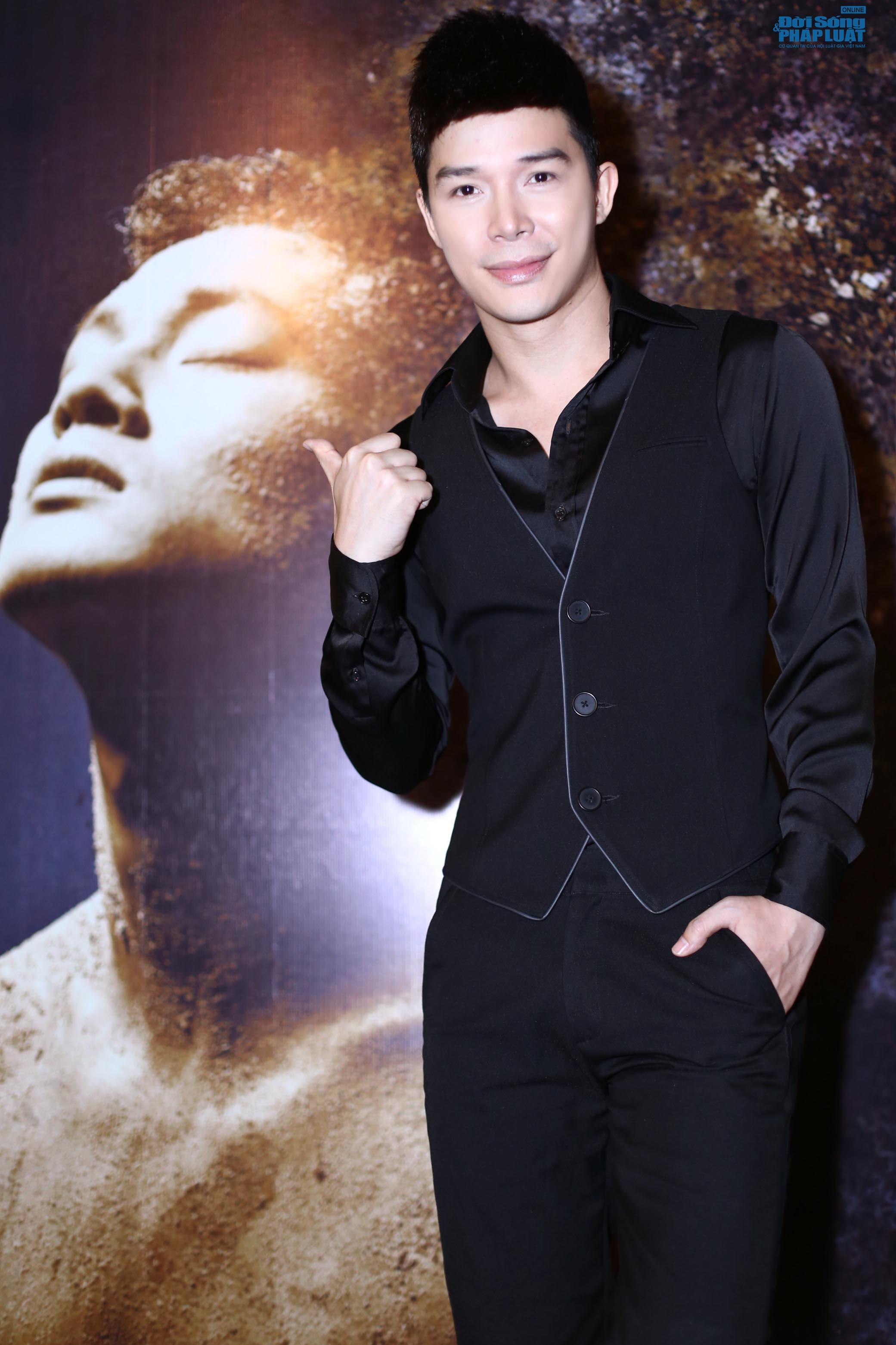 """Nathan Lee - Đức Tuấn """"ton sur ton"""" biểu diễn ấn tượng - Ảnh 1"""