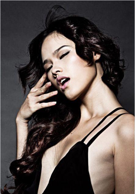 Sao nữ Việt sở hữu bộ ngực phẳng lỳ như đàn ông - Ảnh 7