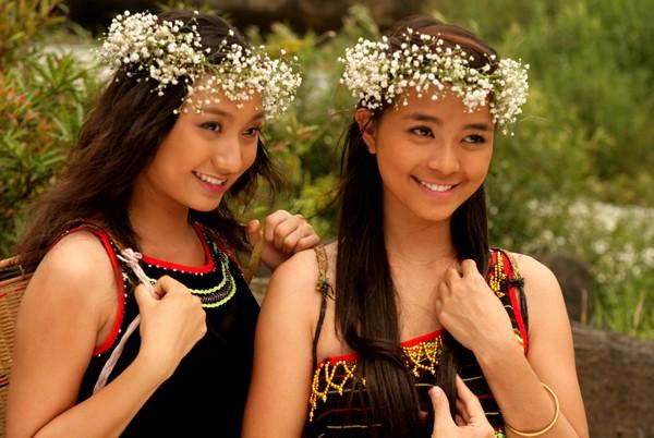 Ấn tượng với màn hóa thân thành người dân tộc của Sao Việt - Ảnh 12