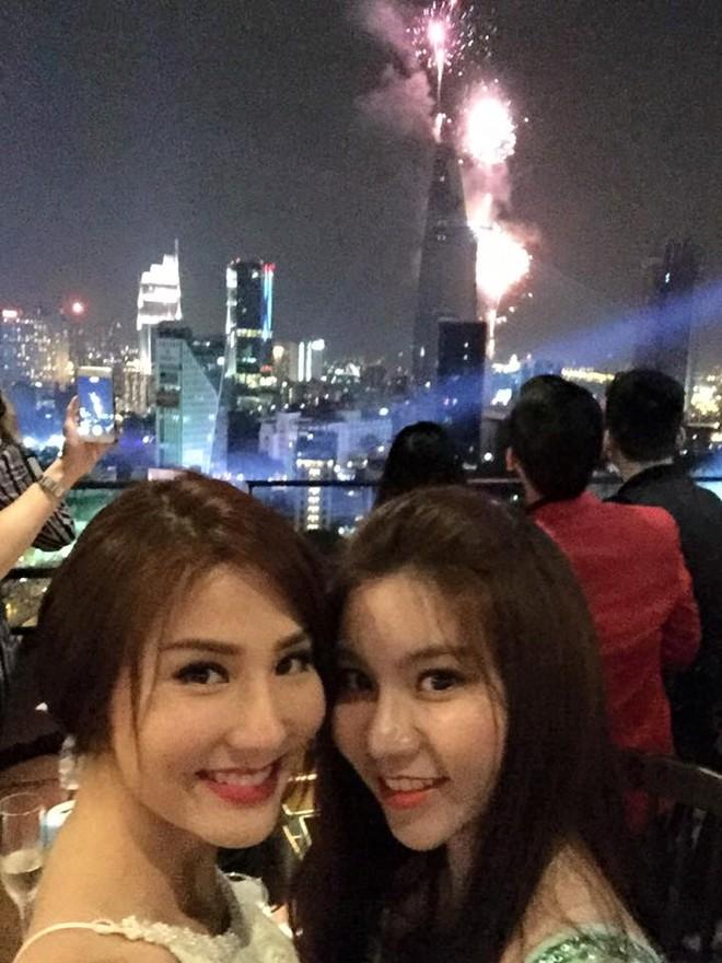 Sao Việt tưng bừng đón Tết dương lịch 2015 - Ảnh 15