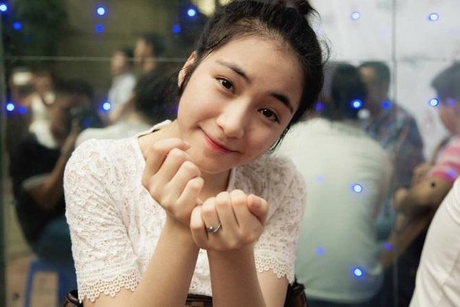 Ngắm hình ảnh dễ thương, cá tính của Hòa Minzy – bạn gái Công Phượng - Ảnh 2