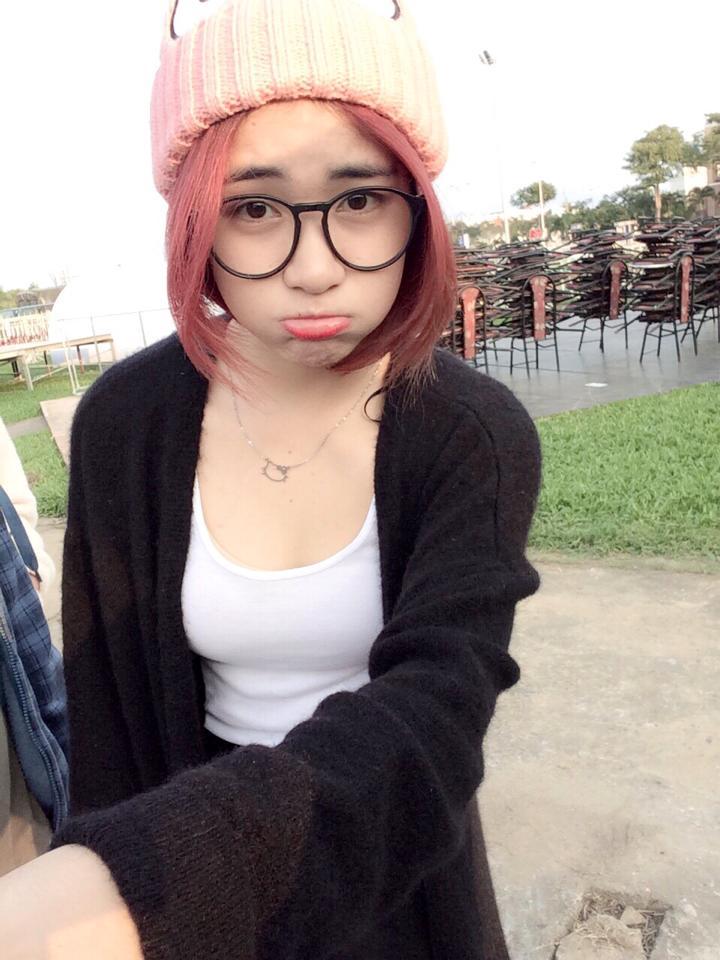Ngắm hình ảnh dễ thương, cá tính của Hòa Minzy – bạn gái Công Phượng - Ảnh 14