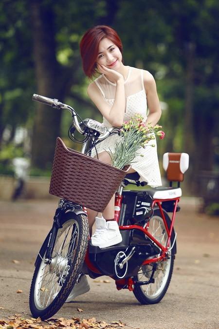 Ngắm hình ảnh dễ thương, cá tính của Hòa Minzy – bạn gái Công Phượng - Ảnh 11