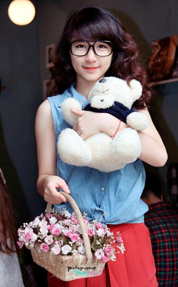 Hòa Minzy – bạn gái cầu thủ Công Phượng là ai? - Ảnh 2