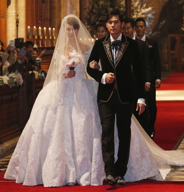 Hôn lễ lãng mạn của Châu Kiệt Luân và Côn Lăng tại nhà thờ - Ảnh 1